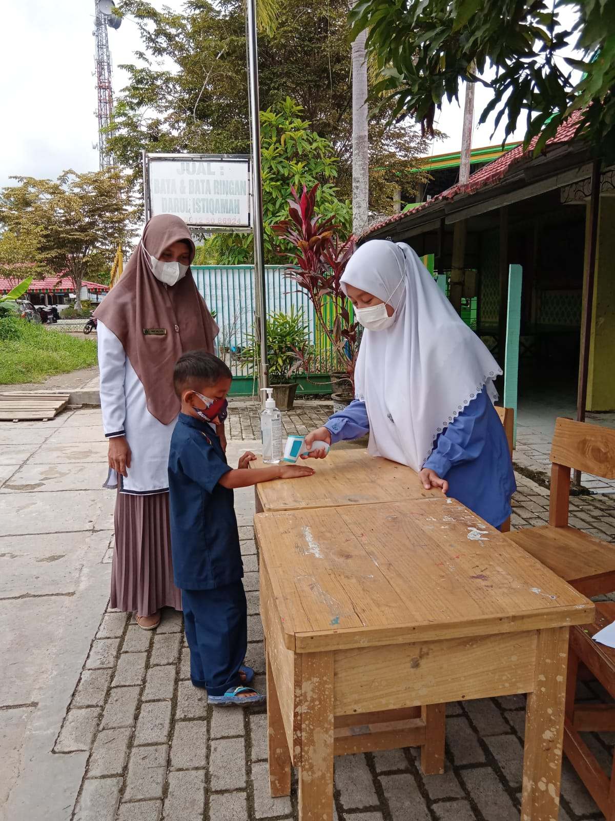Hari Pertama Pembelajaran Tatap Muka (PTM) MI Plus Darul Istiqamah Barabai
