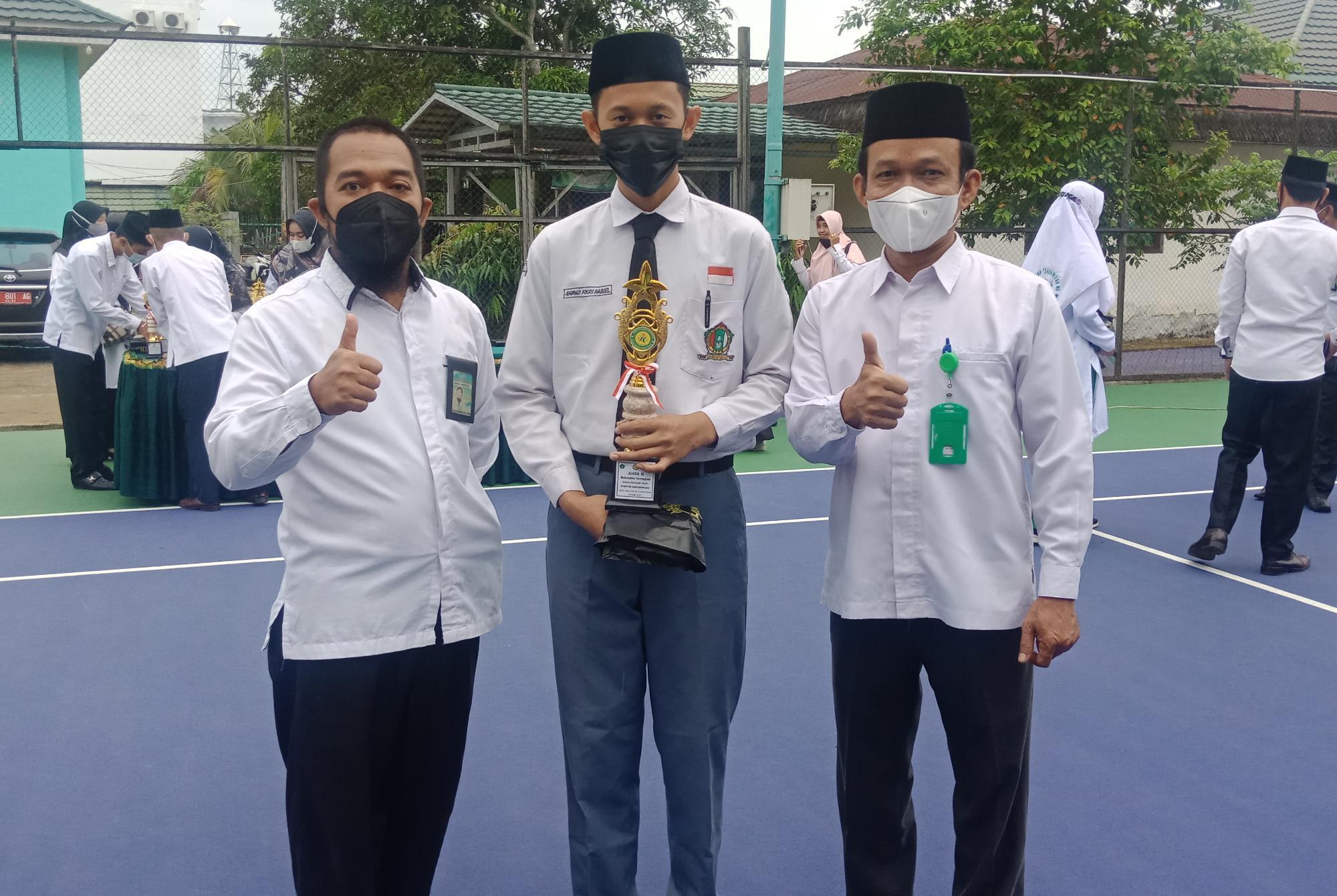 KSMO 2021 - Ahmad Fikri Nabiel Athailah Raih Juara III Matematika di Kabupaten HST